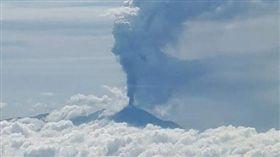 印尼索普坦火山噴發(圖/推特)