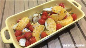 番茄柑橘烤杏鮑菇料理,冬天暖胃還能遠離食道癌。(圖/亞大醫院醫師江承源、營養師洪偵容提供)