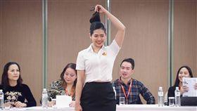 越捷來台招募空服員(2)越捷航空以青春、活力的企業形象在航空圈迅速打響知名度,16日在台北舉辦招募活動,徵選台灣空服員。中央社記者吳翊寧攝 107年12月16日