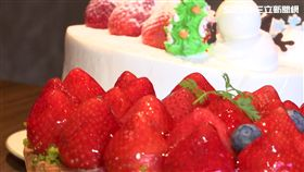 草莓會變醜?網友爆:蛋糕上的草莓不會洗