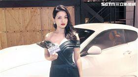 康妮媚悠揚小提琴聲搭配火辣辣身材,很受車商青睞。(圖/記者蕭翰弦攝影)