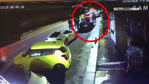 公車站10米禁停 黃色法拉利違停挨罰