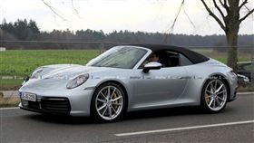 Porsche 911敞篷版。(圖/翻攝motor1網站)