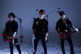 ▲赤世代新單曲的MV突破以往風格。(圖/翻攝自赤世代臉書)