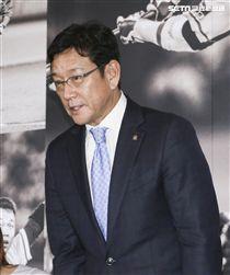 台灣強打王柏融與日本職棒火腿隊簽約,日本火腿球團監督栗山英樹。(記者林士傑/攝影)