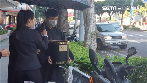 劉駿耀家屬家祭/記者李依純攝影