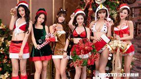 香菱(左起)、尤妝妝、龔映璇、Lara、蔡茵茵、希維亞巧扮香豔聖誕美女與麋鹿。(圖/JKF提供)