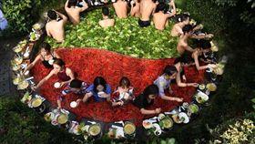 杭州酒店推巨型鴛鴦火鍋溫泉(圖/翻攝自搜狐網)