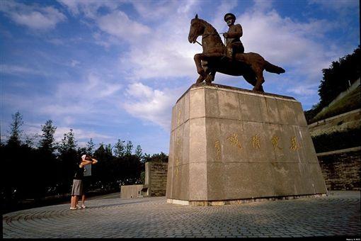 政大蔣公銅像(政大校園影像數位典藏)