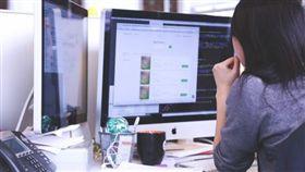 電腦、上班、辦公室(圖/PIXABAY)