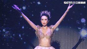 莫文蔚台北開唱吸引滿場粉絲支持。(圖/記者邱榮吉攝影)
