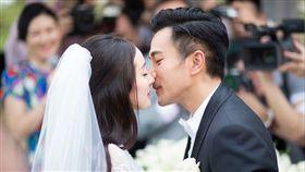 楊冪跟大她12歲的老公劉愷威因合作電視劇《如意》相識。(翻攝微博)