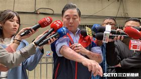 高國華召開記者會指控徒弟率眾圍毆他(翻攝畫面)