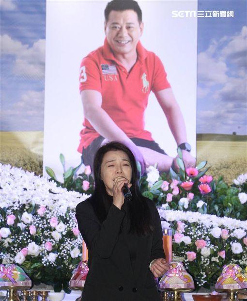 安迪告別式,阿娥/記者邱榮吉攝影
