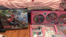 聖誕禮物,澳洲,媽媽,諾瓦克,包括許多電玩遊送。翻攝太陽報
