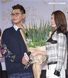 三立新八點台劇「炮仔聲」首映會,陳冠霖與李燕被網友稱為蔥田鴛鴦大盜。(記者林士傑/攝影)
