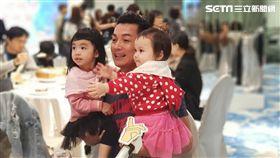 伊正、伊正大女兒步步、二女兒靚靚 圖/記者李依純攝影