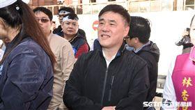 反對水利會官派,國民黨動員支持者包圍立法院抗議,國民黨副主席郝龍斌現身支持。 圖/記者林敬旻攝