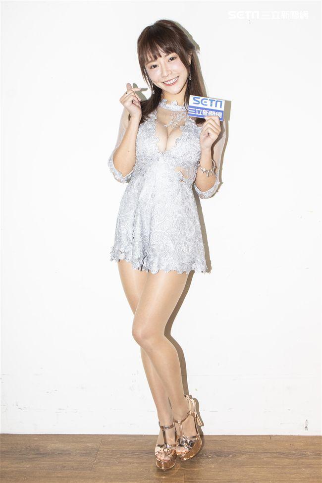 LamiGirls巫苡萱寫真集專訪。(記者林士傑/攝影)