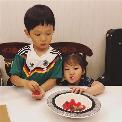 隋棠,Olie,Tony,Max(圖/翻攝自隋棠Sonia Sui臉書)