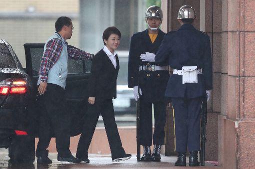 盧秀燕出席行政院院會行政院27日上午舉行院會,台中市長盧秀燕(左2)上任後首次出席。中央社記者吳家昇攝  107年12月27日
