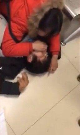 岳母拒絕捐腎救女兒 男子哭暈抽搐/梨視頻