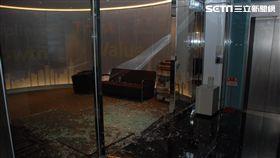 中租迪和公司辦公室遭砸,警方一舉逮獲16名惡煞(翻攝畫面)