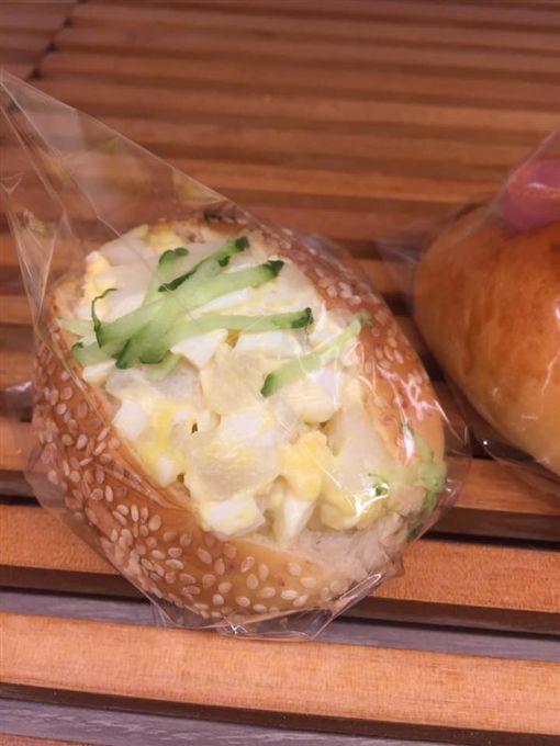 麵包店,沙拉麵包,拉肚子,衛生局(圖/翻攝自爆怨公社)