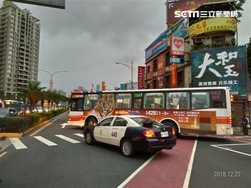 新北市,蘆洲,公車,行人,車禍,翻攝畫面