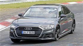 Audi S8(圖/翻攝網路)