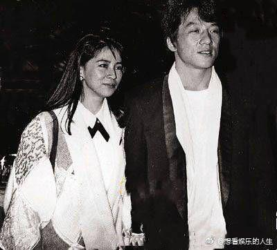 林鳳嬌當年當紅之際急流勇退嫁給成龍,在家相夫教子。(圖/翻攝自微博)