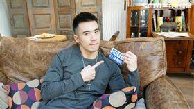 JR接受三立新聞網獨家專訪。(圖/記者蕭翰弦攝影)