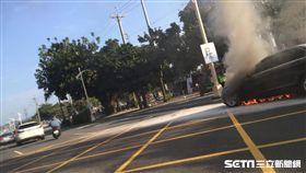 台中洲際棒球場火燒車/民眾提供