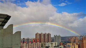 跨年,淡水,彩虹,下雨(圖/翻攝自細說淡水臉書)
