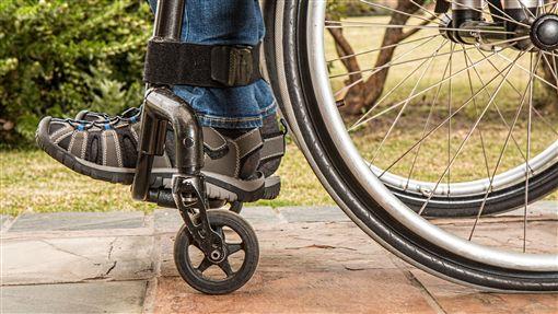 輪椅,癱瘓,殘廢圖/翻攝自PIXABAY