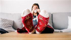 穿襪子、襪子保暖/pixabay