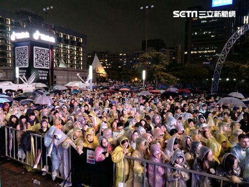 台北跨年:黑人、天心、海芬、邰志源、「世界冠軍」Tom60229圖/記者林士傑攝影