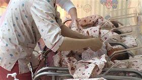 竹市元旦寶寶誕生  4男2女搶先報到108年元旦新竹市轄內7家醫療院所,截至上午11時共有6名嬰兒誕生,共4男、2女,且還有16名產婦待產中,期盼也能成為元旦寶寶。(新竹市衛生局提供)中央社記者魯鋼駿傳真  108年1月1日