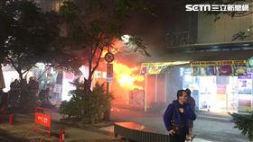 西門町武昌街二段50巷內美甲店火警現場(翻攝畫面)