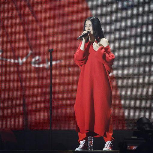 白安31日現身台中擔任五月天跨年演唱會開場嘉賓。(圖/翻攝自白安臉書粉絲團)