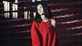白安赴韓國拍MV,不怕高卻超怕冷的她遇零度低溫。(圖/相信音樂提供)