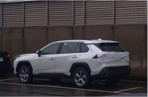 Toyota RAV4測試車(圖/翻攝網路)