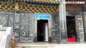 宮廟正殿開超商