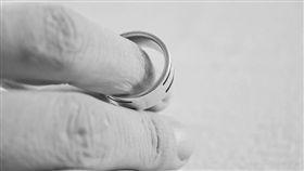 婚戒、婚姻、夫妻示意圖/pixabay
