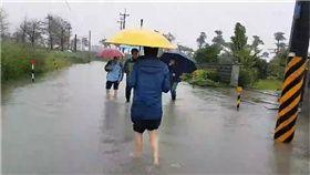 連日豪雨!宜蘭冬山武淵低窪區淹水及膝 圖/翻攝畫面