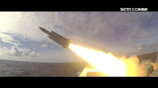 武統威脅沒在怕!沱江艦尬雄三飛彈 海軍新年大秀軍事肌肉