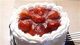 全聯超搶手「草莓蛋糕」。(圖/翻攝自Dcard)