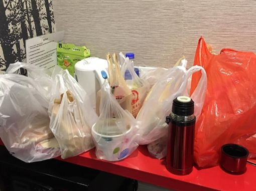 台灣美食太好吃,讓港女每天花兩千逛夜市尋寶。(圖/取自臉書社團爆怨公社)