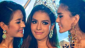 2014年還奪下了芬妮環球小姐選美冠軍的泰國變性皇后妮莎(Nissa Katerahong)嫁給中國土豪。(翻攝IG、微博)