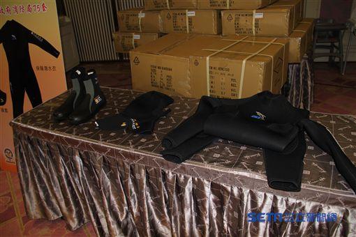 新北市,新北消防局,第六大隊,捐贈,防寒衣,防滑鞋,頭套